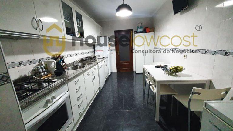 Apartamento-famalicão-venda-cozinha (1)